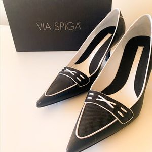 Excellent condition black and white kitten heels
